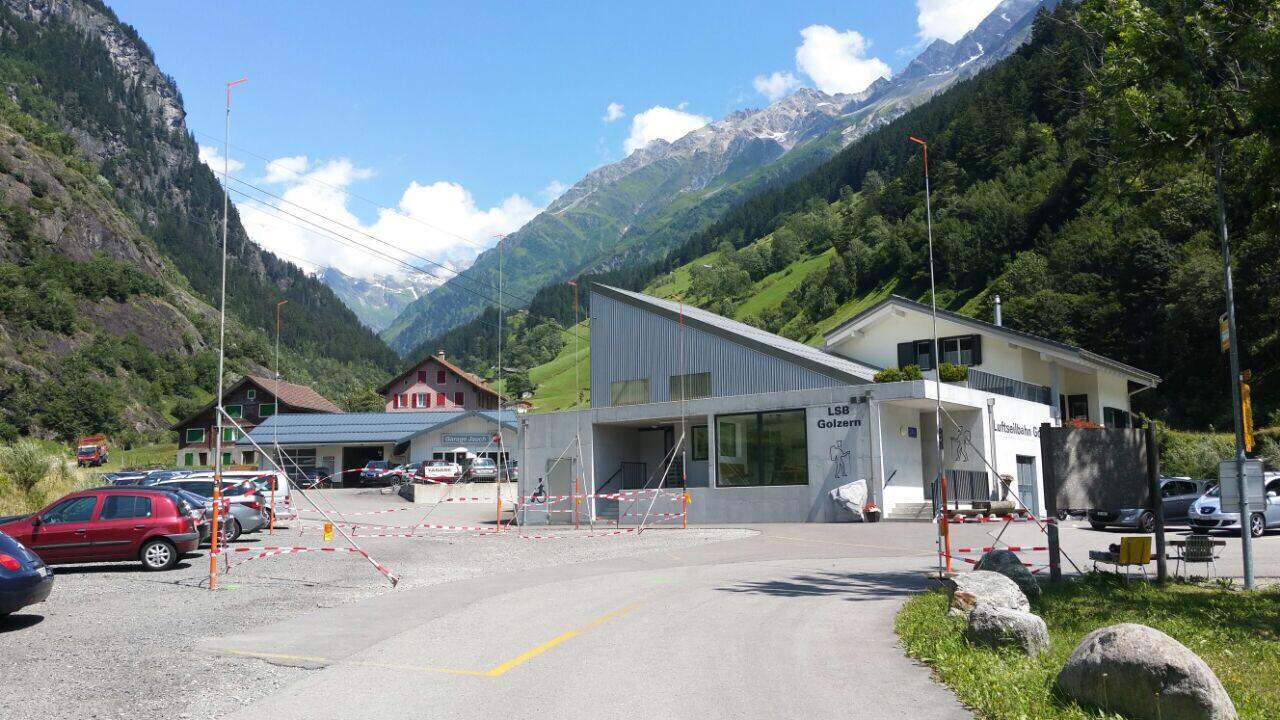 Die Kraftwerkzentrale bei der Talstation ist profiliert.